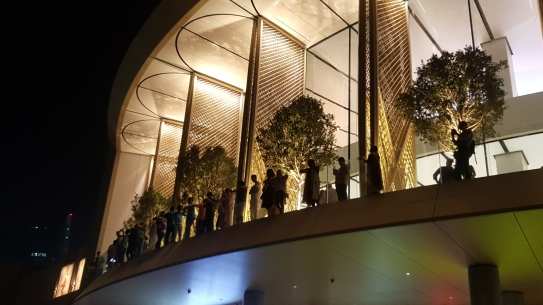 The Dubai Mall Apple Store is the perfect balcony for watching the fountain show