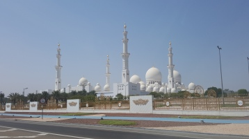 The view of the Mosque as you come closer - although it is visible from miles away.