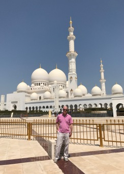 Jimmy in front of the Sheikh Zayed Grand Mosque.