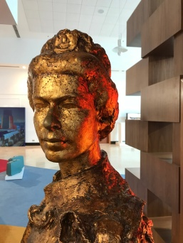 Bust of Queen Elizabeth from aboard the QE2 is now housed in the reception building of the QE2 hotel in Dubai.