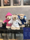 The QE2 bears for sale in Dubai include an Arab bear with kandoura (white robe), sifra (white headdress) agaal (black rope holding the thobe) and